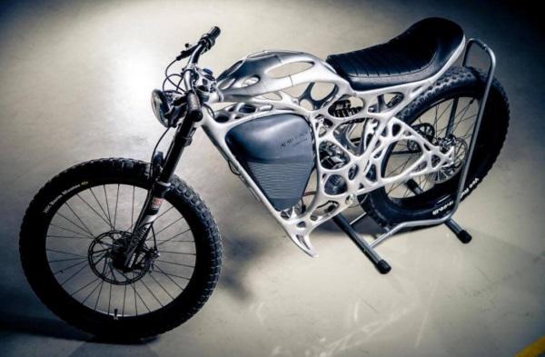 airbus-apworks-unveils-35kg-3d-printed-light-rider-motorcycle 6