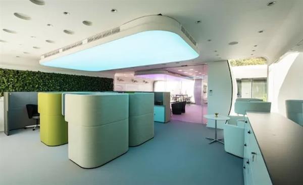 В Дубае построили первое в мире 3D-печатное здание - 7