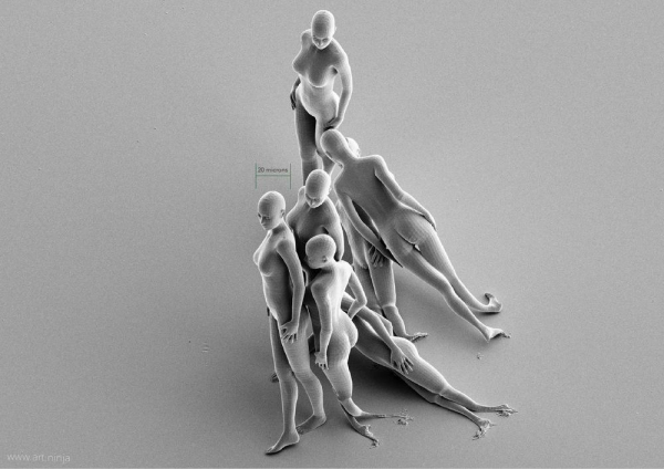 Jonty-Hurwitz-3D-printed-nano-sculptures-at-the-same-scale-as-a-human-sperm