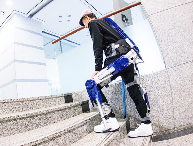 Hyundai Exoskeleton allows you to turn into Iron Man - 2