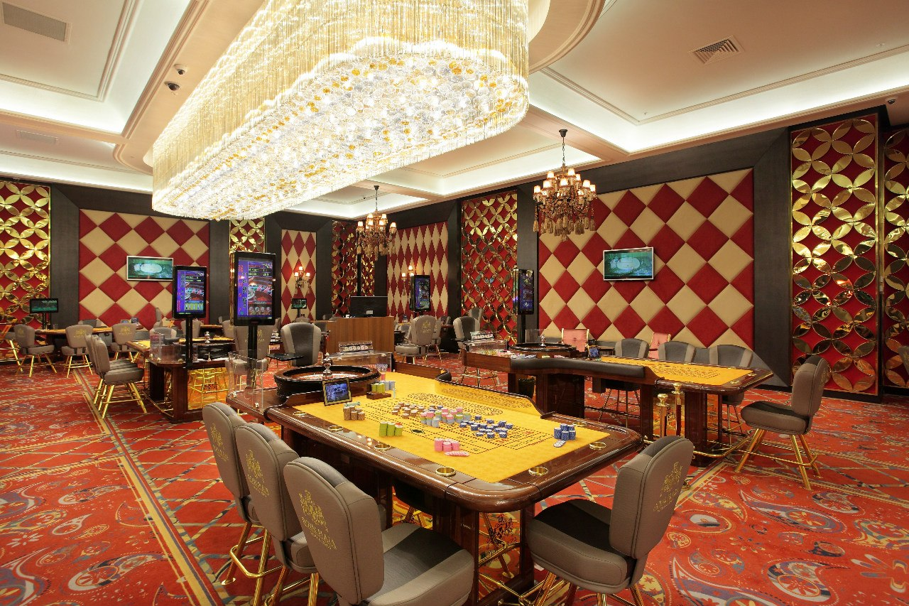 plaza casino poker room